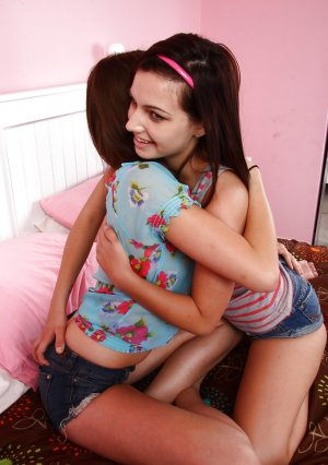 Lesbians Cassandra Nix and Mary Jane Johnson lick each other's pussies Picture 1